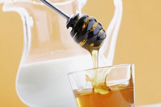 Молочно-медовий напій при фарингіті