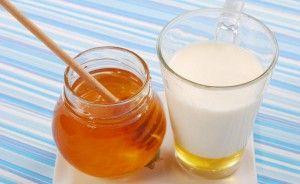 Мед з молоком