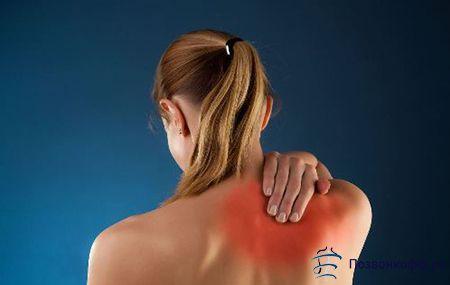 Заболіла спина в області лопаток? Не варто зволікати з пошуком причини!